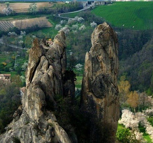Parco dei Sassi di Roccamalatina - Emilia Romagna